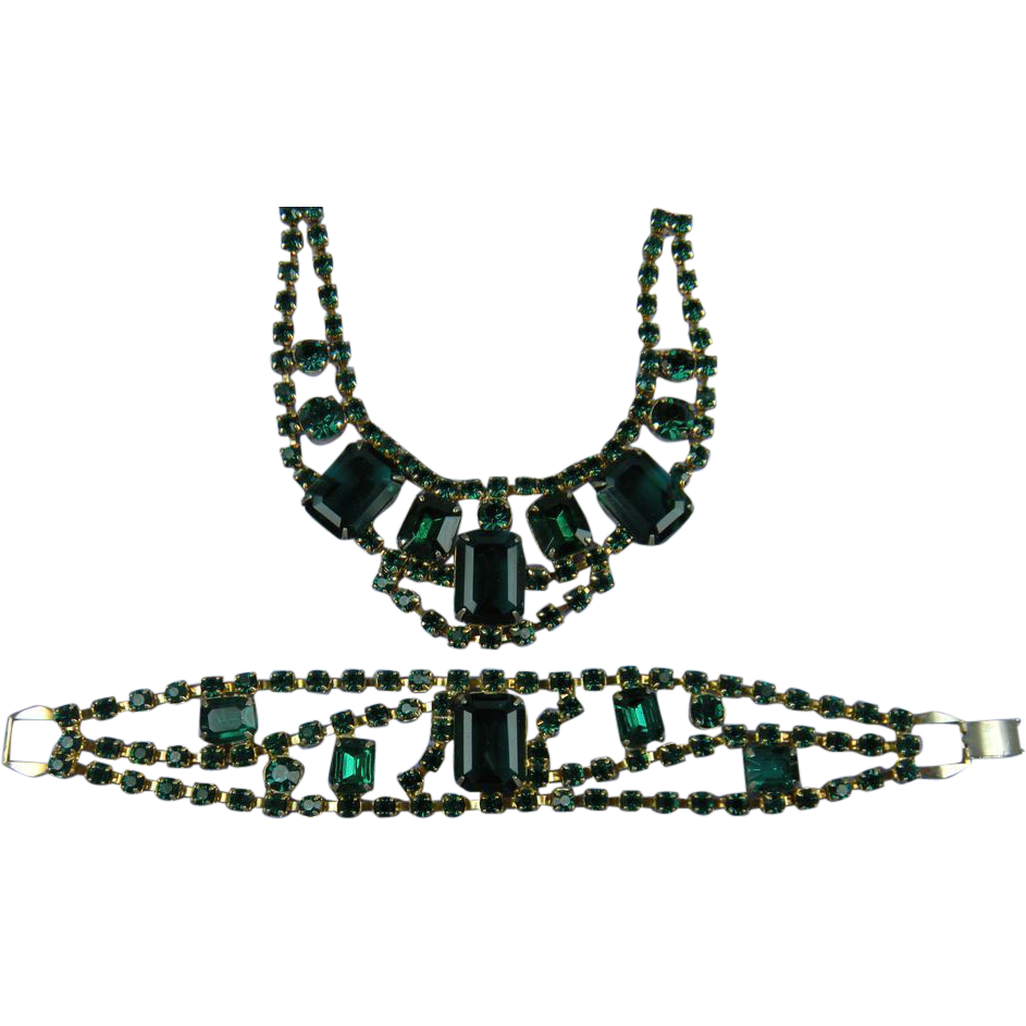 RESERVED Breathtaking Imitation Emerald Necklace and Matching Bracelet