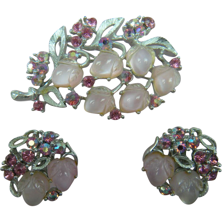Signed LISNER Brooch with Matching Earrings