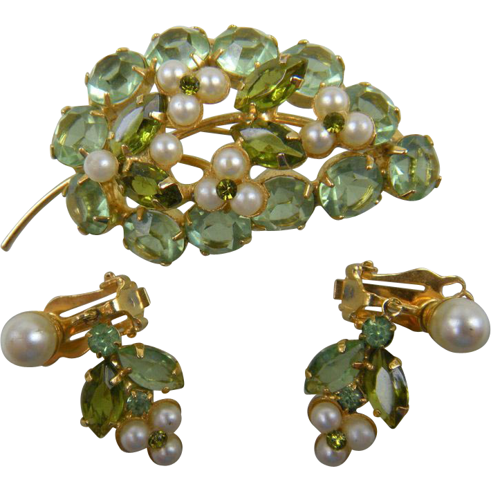 Rhinestone and Imitation Pearl Brooch with Earrings
