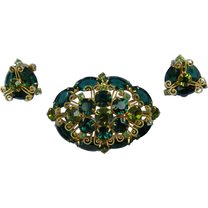 Gorgeous Emerald Green DeLizza & Elster Brooch with Matching Earrings