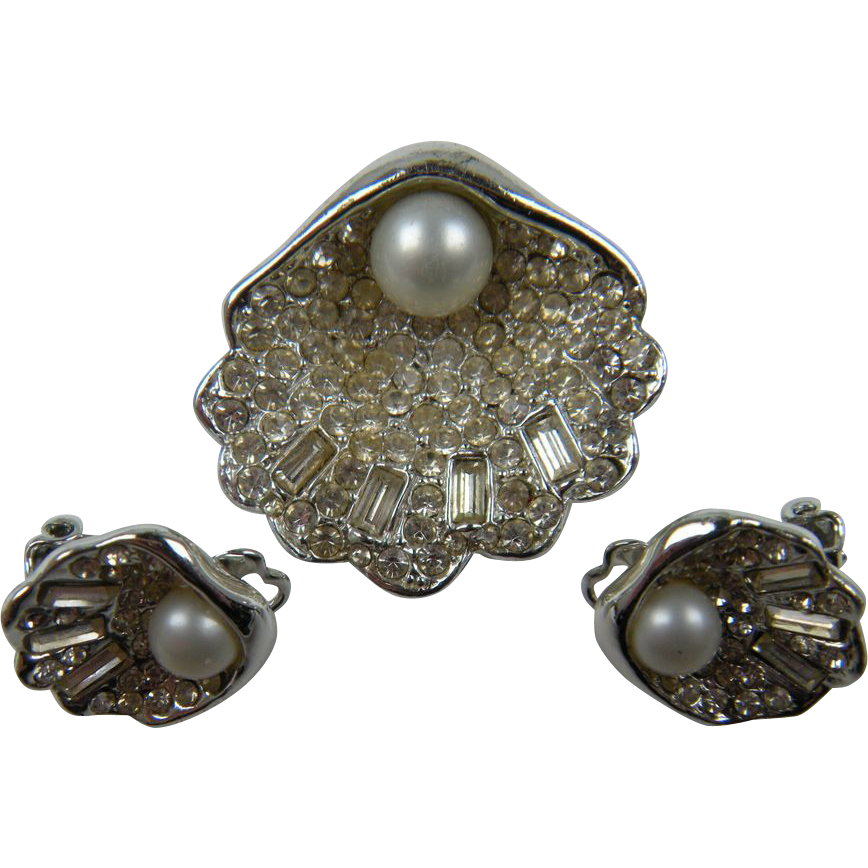 Rhinestone Clam Brooch with Pearl, Matching Earrings