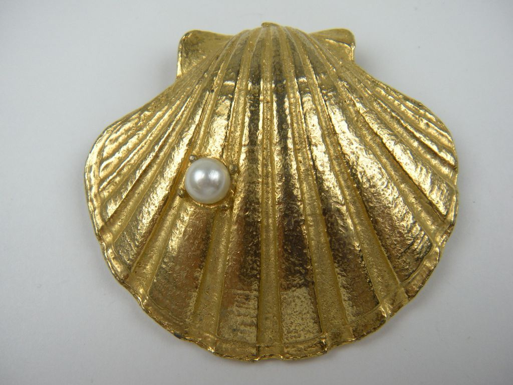 Enormous Signed Hobe' Clam Shell Brooch