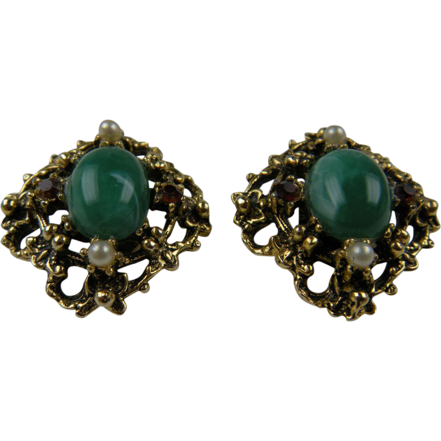 Unsigned Florenza Imitation Jade and Pearl Earrings