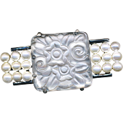 Brooch--Thick Satin-finish Art Deco Flora-foliate Glass Jewel with Faux Pearls in Silvered Base Metal