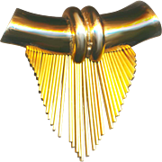 Brooch--Vintage 1940s Retro Modern Modified Barrel and Fringe Goldplated Brass