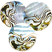 Button--ONE Unusual Aubrey Beardsley-like Abalone Pearl Shell in Natural Nacre