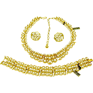 Vintage Trifari Necklace Bracelet Earrings Fx Pearl Rhinestone Set Tags