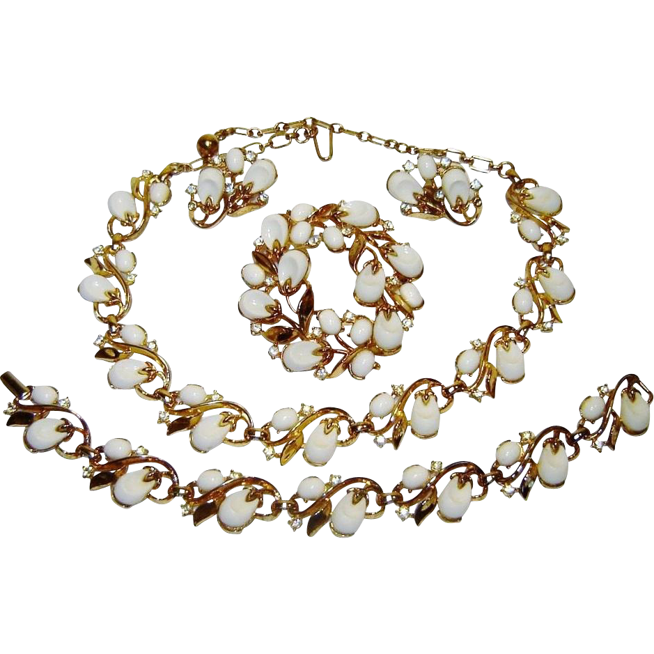 Vintage Trifari Necklace Bracelet Pin Earrings White Thermoset Rhinestone Pebble Beach Book Set