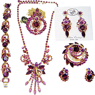 Vintage Juliana Purple Necklace Bracelet Pin Pendant Brooch 2 Pr Earrings D&E Book Set