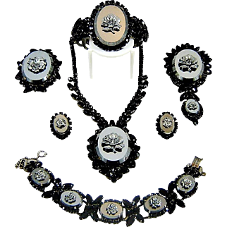 Vintage Juliana Hematite Rose Cameo Necklace 1 bracelet 1 clamper 2 Pendant Brooches Earrings