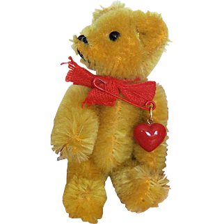 Jaunty 1970s Golden Schuco Jointed Bear