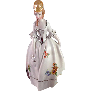 Lovely Vintage Porcelain Maiden