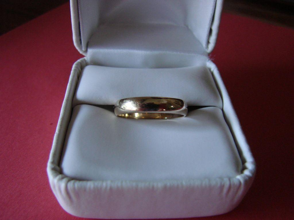Nice Vintage 10k Gold Wedding Band Size 7 SOLD on Ruby Lane