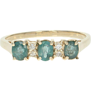 Alexandrite & Diamond Ring - 10k Yellow Gold 0.96ctw Oval Green