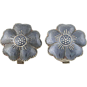 Vintage Siam Silver Flower Earrings Sterling Niello Clip-On Floral Non-Pierced