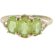 3-Stone Peridot Ring - 10k Yellow Gold Oval Brilliant 1.80ctw