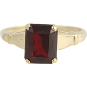 Vintage Garnet Solitaire Ring - 10k Yellow Gold January Birthstone 1.70ct