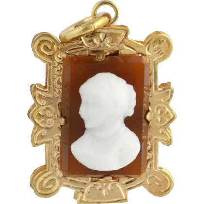 Victorian Revival Period Cameo Pendant - 10k Yellow Gold Onyx Carnelian Vintage