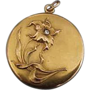 10K Yellow Gold  Art Nouveau Floral Locket with Diamond