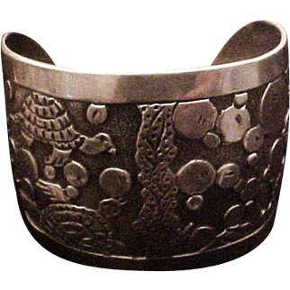 Huge Sterling Silver Navajo Lloyd Becenti Turtle Storyteller Cuff Bracelet