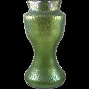 Loetz Grün Mimosa Iridescent Art Nouveau Glass vase, PN II-5857, ca. 1908