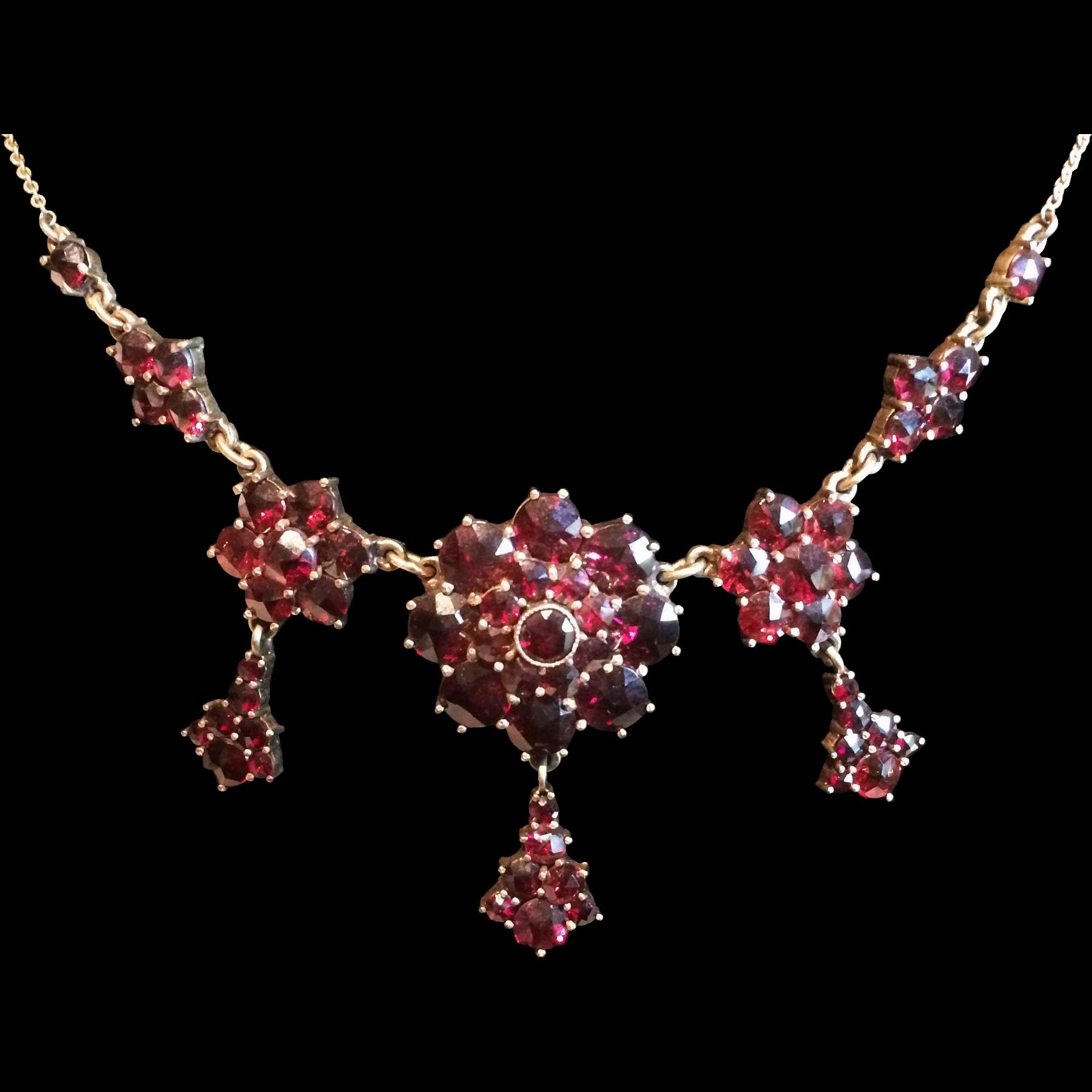 Beautiful Vintage Bohemian Garnet Gilt Necklace
