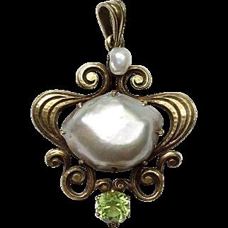 Art Nouveau 15k Gold Pendant with Pearl & Peridot