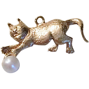 Adorable 14k Gold Cat Charm with Pearl