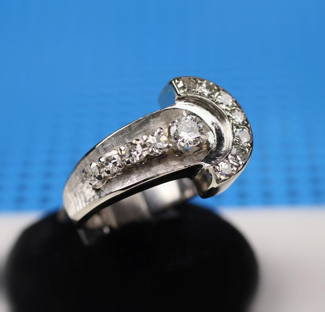 14K White Gold Deco Style Diamond Ring