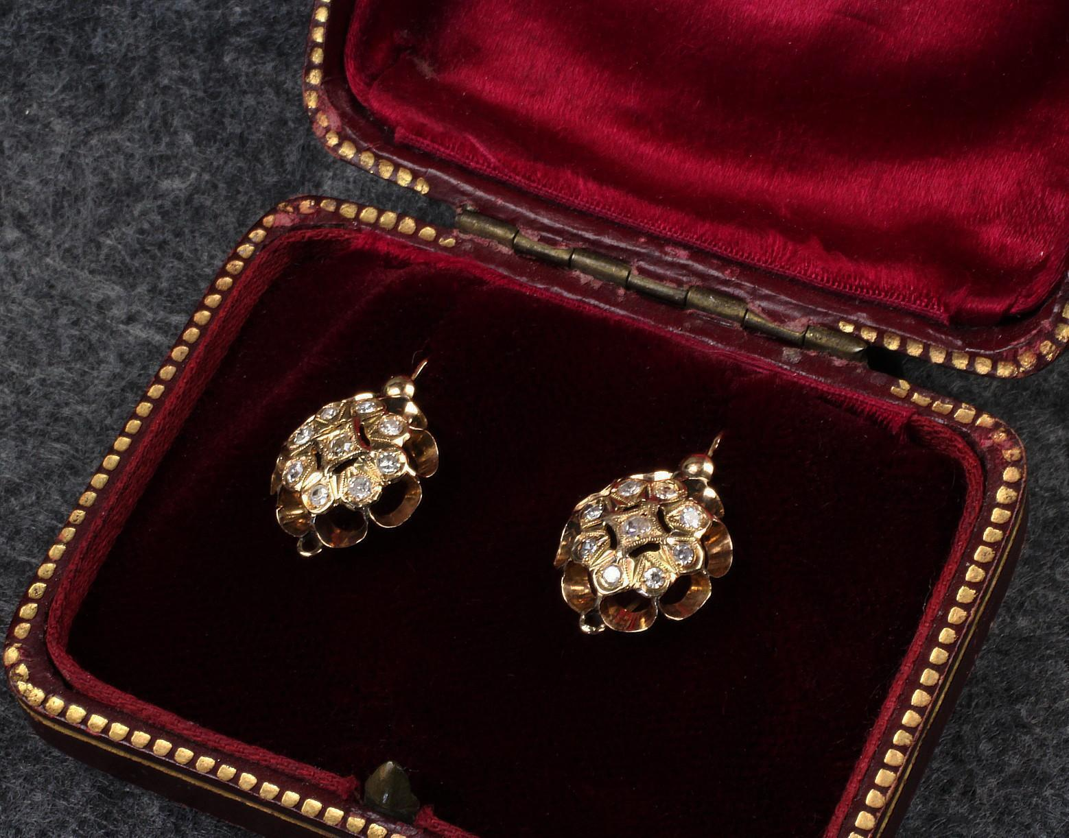 Antique 18K Yellow Gold Earrings with 18 Euro Cut Diamonds - 0.40 Ct. TW