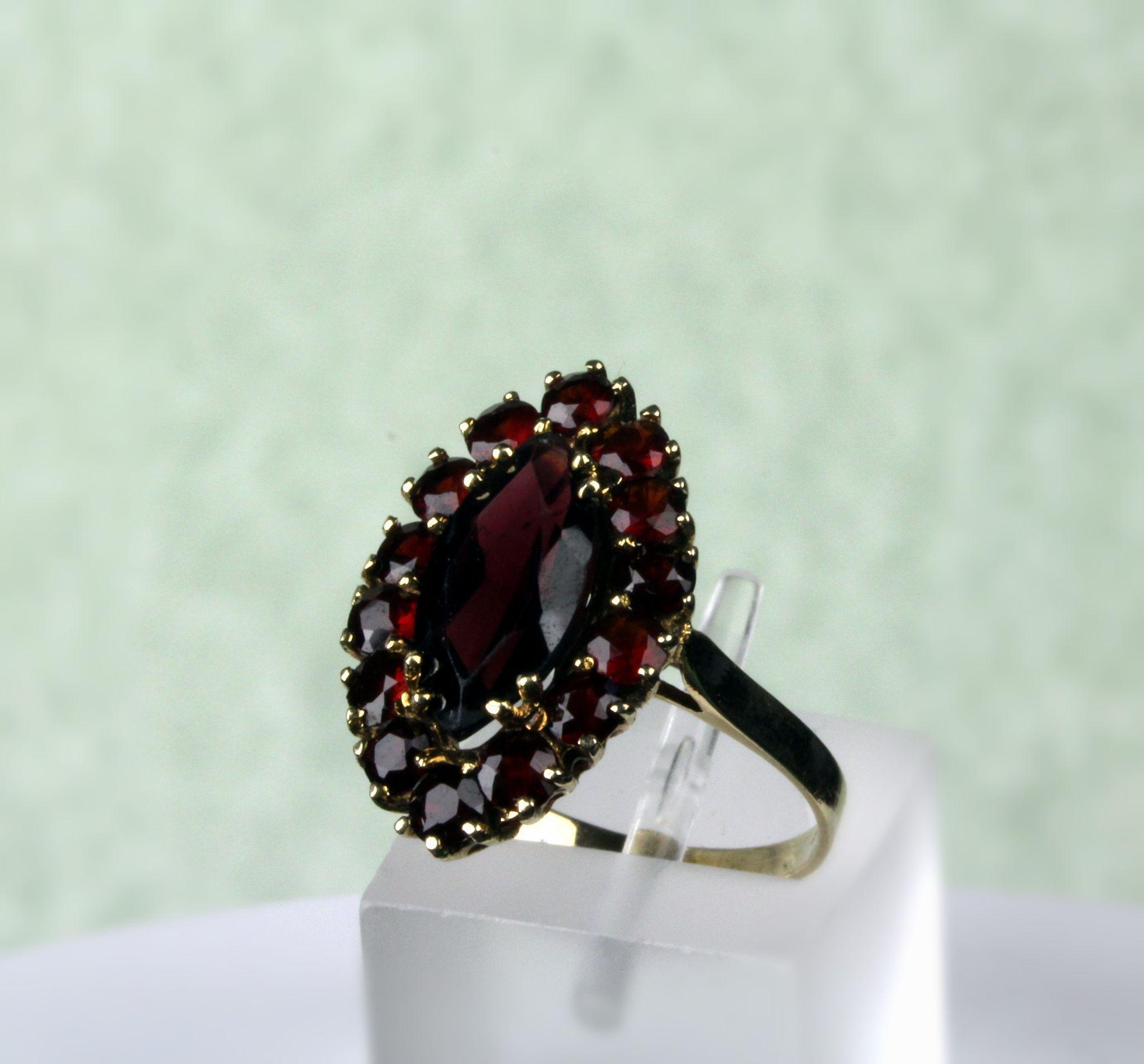 14K Gold Garnet Cluster Ring