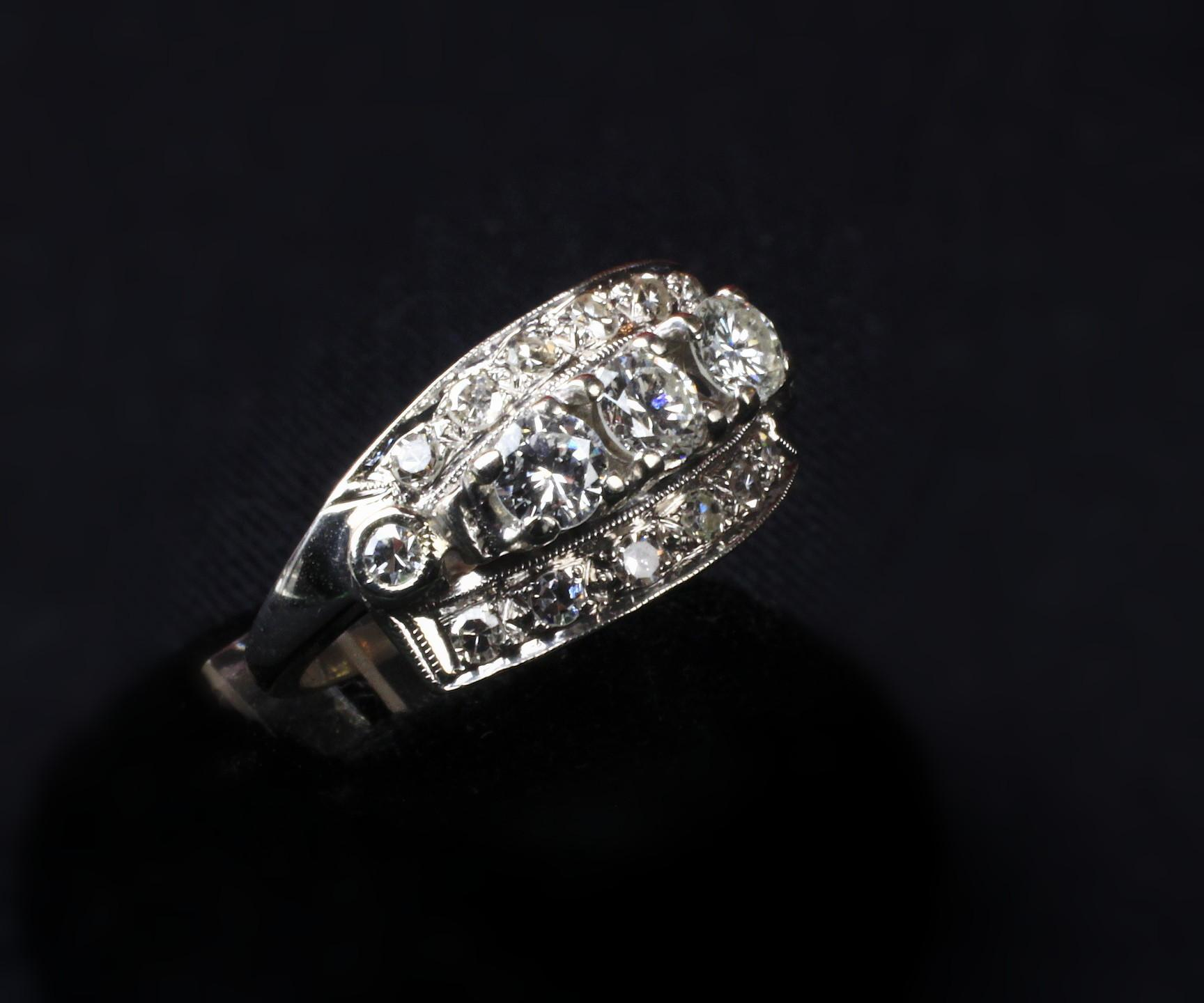 Ladies 14K White Gold Vintage Diamond Cluster 1 Carat Ring