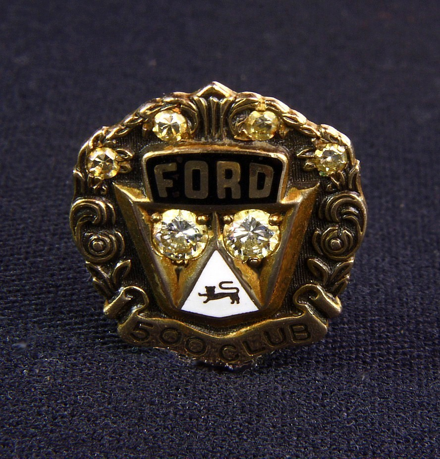 10K Gold Ford 500 Club Pin with Diamonds