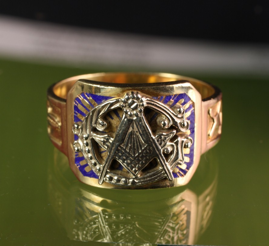 Large 10K Gold Masonic Ring