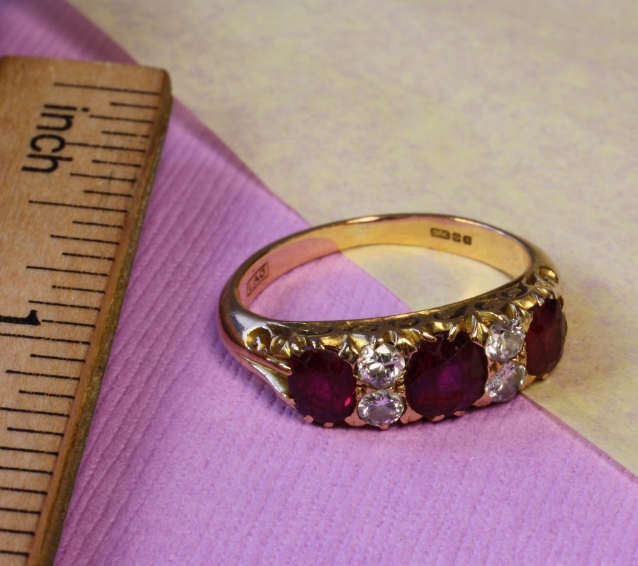 Vintage 14K Yellow Gold - Diamond & Ruby Ring