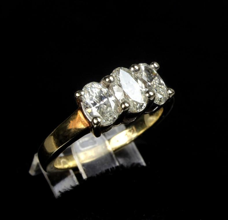 14K Yellow Gold Ladies 1.06 Carat Oval Diamond Ring