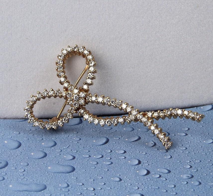 14K Yellow Gold Diamond Bow Pin with 79 Diamonds