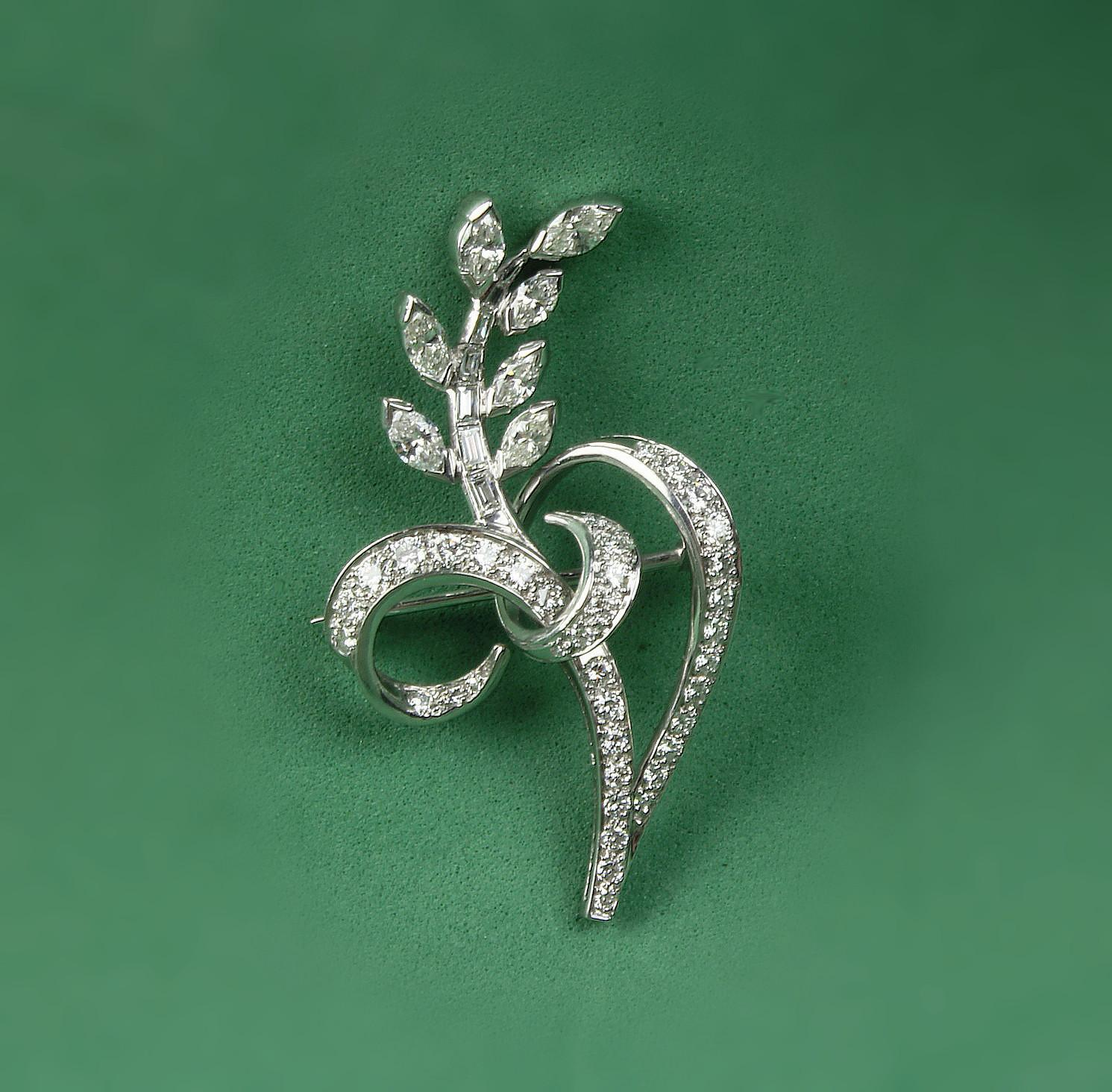 Platinum Brooch with 1.15 Carats of Diamonds