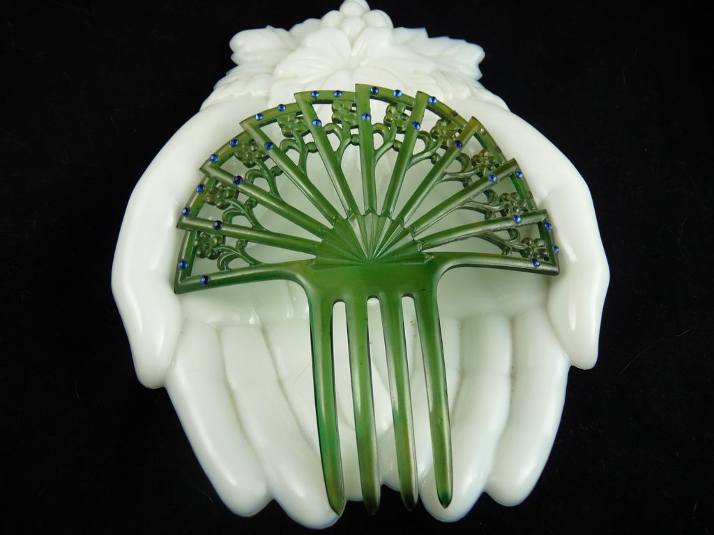 art deco green celluloid hair comb ornament with blue rhinestones from ornaments on ruby lane. Black Bedroom Furniture Sets. Home Design Ideas