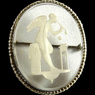 Vintage Art Deco Reverse Carved Intaglio Glass Pin Czech