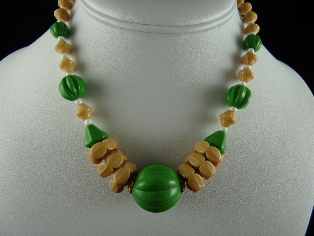 Art Deco Glass Bead Necklace Opaque Green and Tan