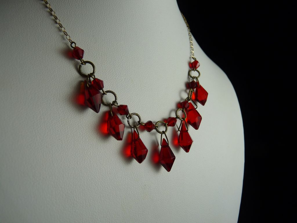 Vintage Art Deco Faceted Red Glass Drop Necklace