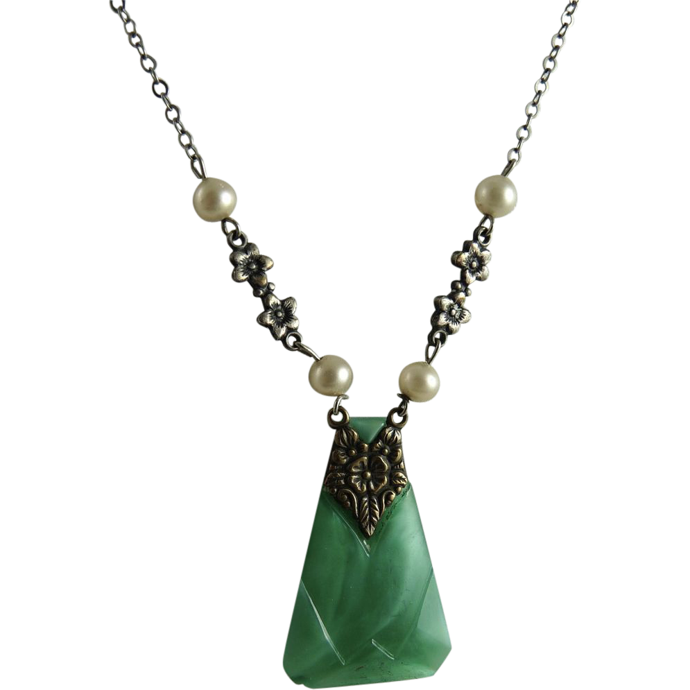 Vintage Art Deco German Necklace Green Glass Pendant