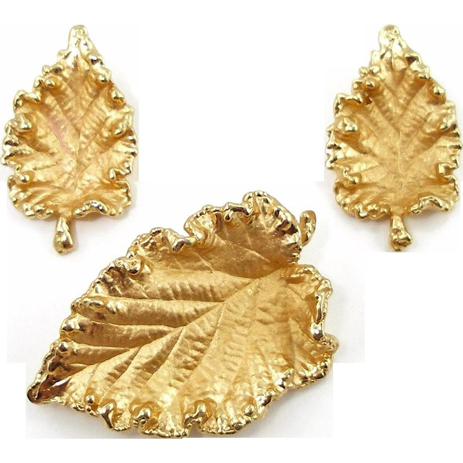 Vintage 1960's Napier Begonia Leaf Set Book Piece