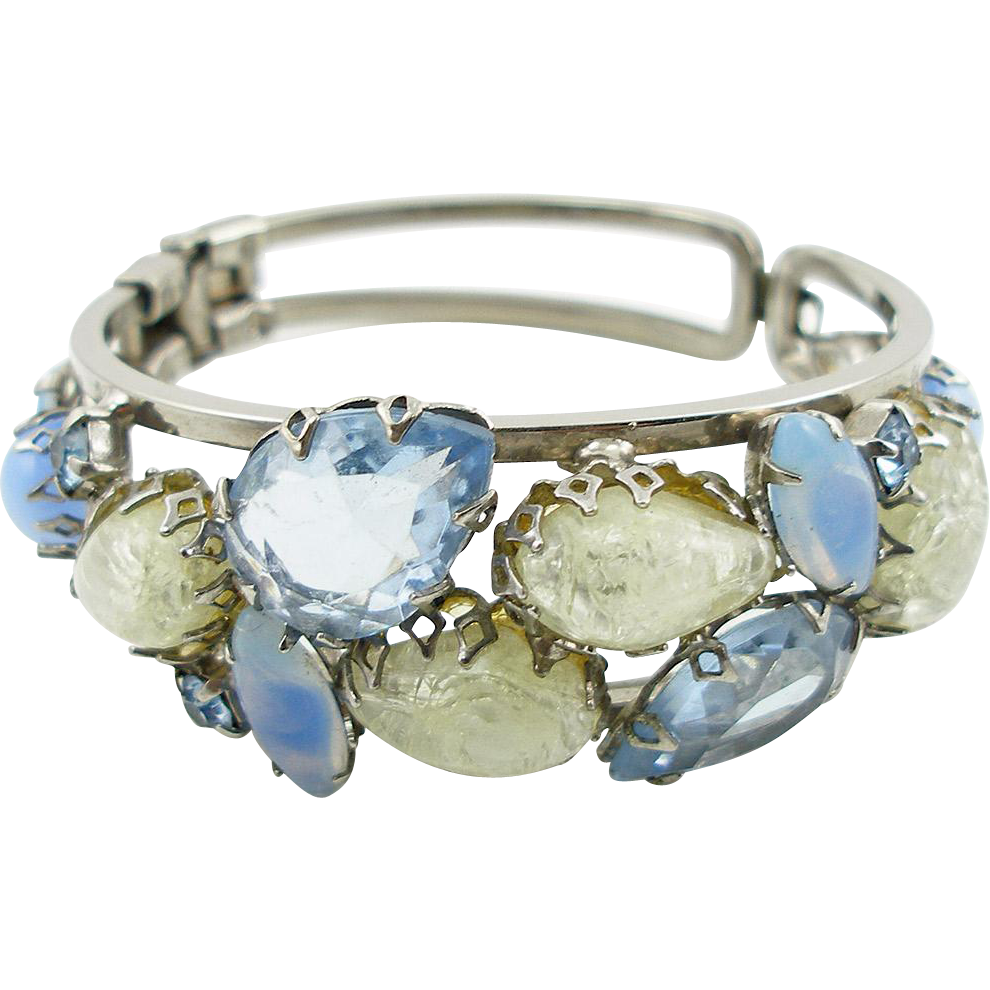 Vintage Unsigned Blue and White Hinged Clamper Bracelet