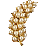 Vintage Signed Art Faux Pearl Pin