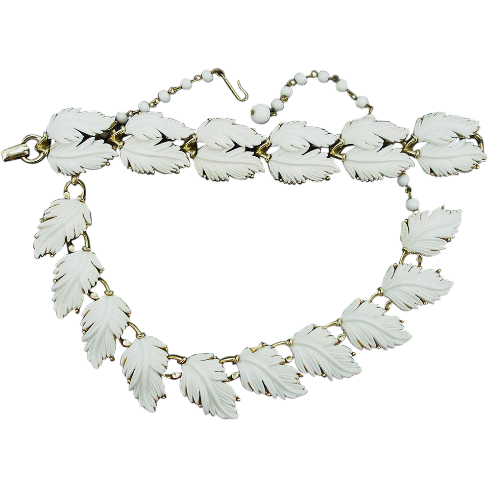 Vintage Lisner White Thermoplastic Leaf Set