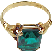Vintage 14K Yellow Gold Ring with Green Stone