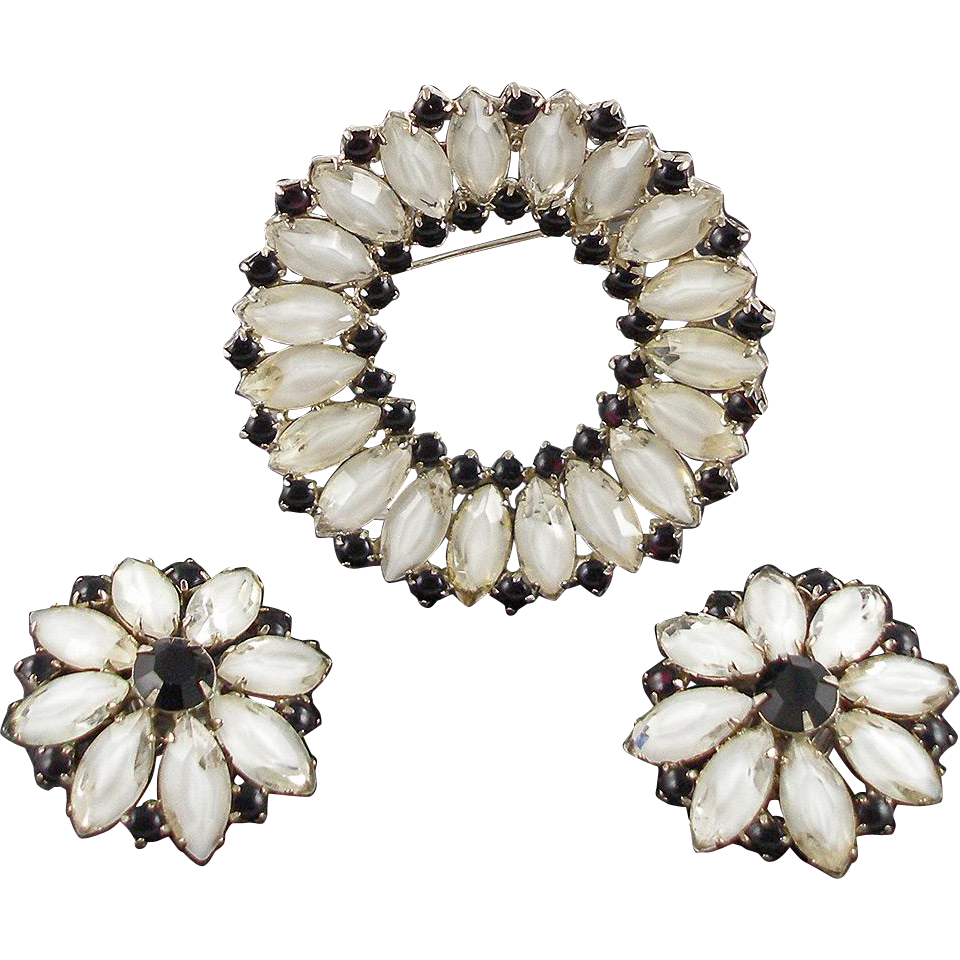 Vintage Unsigned Black and White Demi Parure