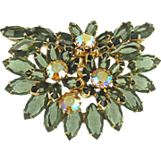 Vintage Unsigned Dimensional Floral Pin